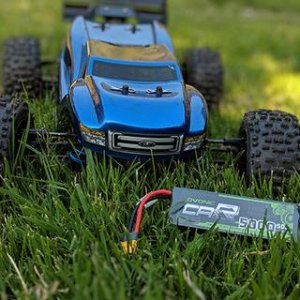 RC car with Ovonic battery